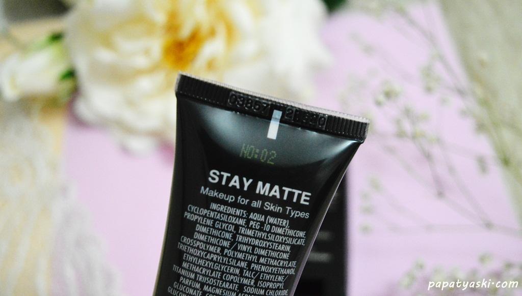farmasi-stay-matte (2)