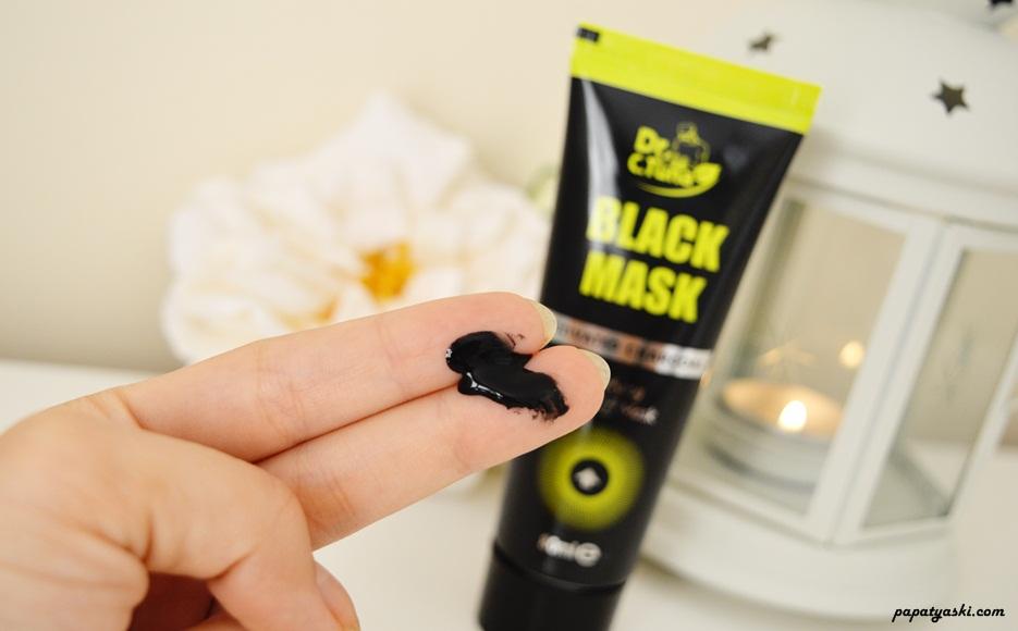 farmasi-siyah-maske