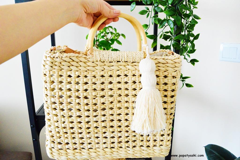 a237365eab30d Bence gelmiş geçmiş en, en, en güzel ve kullanışlı hasır çanta modeli  budur! Zara harika bir çanta üretmiş, tam olarak hayalimdeki kadar minimal  ve bohem!